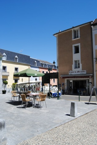 6-Lourdes-hotel-Castel-de-Mirambel--7--2.JPG