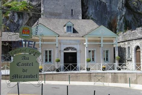 7-Lourdes-hotel-Castel-de-Mirambel--3--2.JPG