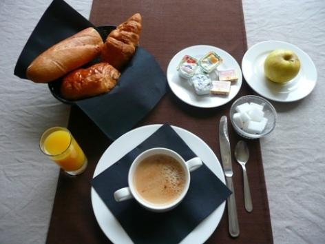 4-Lourdes-hotel-Atrium-Mondial--10-.JPG