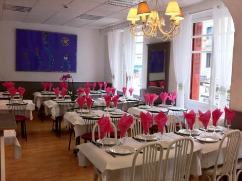 5-Hotel-Armes-de-Belgique--salle-a-manger.jpeg