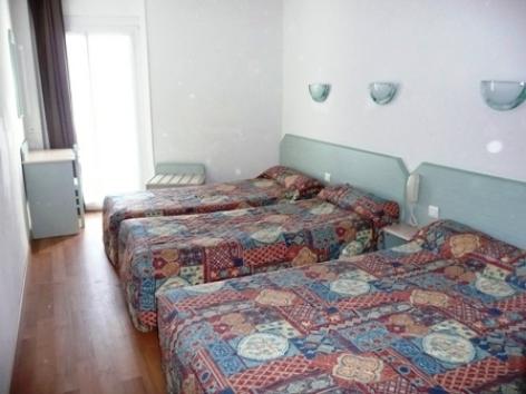 1-Hotel-St-Jean-Baptiste-Lourdes--2-.JPG