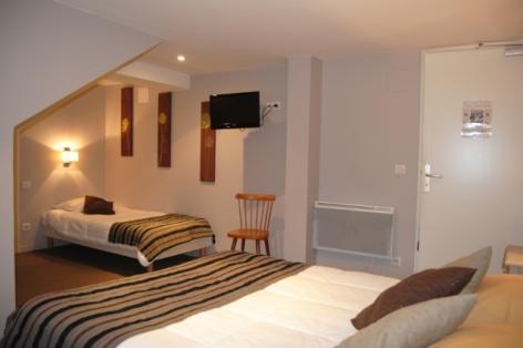 7-Lourdes-hotel-Croix-de-Malte--3-.jpg