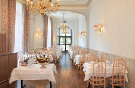 3-Lourdes-Grand-Hotel-de-la-Basilique--17-.jpg