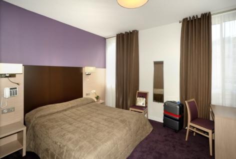 1-Lourdes-hotel-Roc-de-massabielle--1--3.jpg