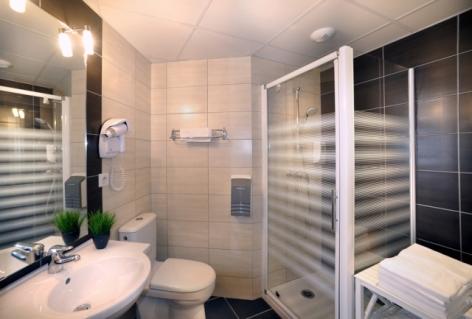 2-Lourdes-hotel-Roc-de-massabielle--3--5.jpg