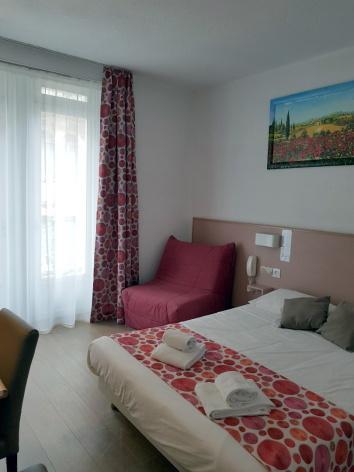 0-Lourdes-Hotel-de-Paris--ch-double-grand-lit-2.jpg
