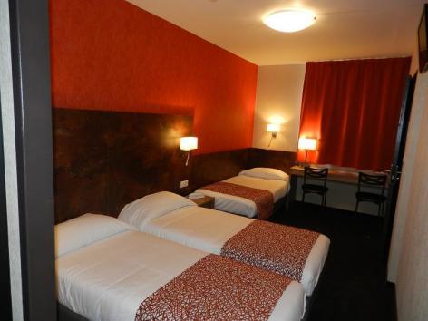 0-Lourdes-hotel-Gloria--1--2.jpg