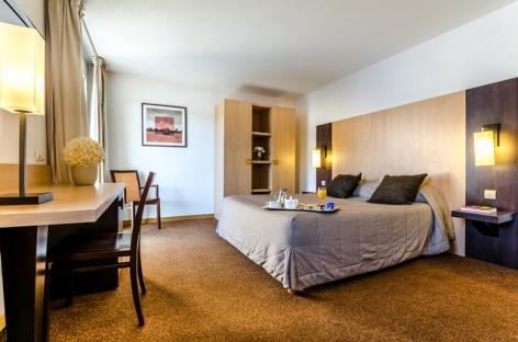1-Lourdes-hotel-Eliseo--1--2.jpg