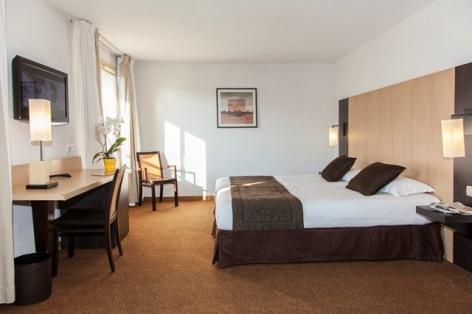 7-HPH138---HOTEL-ELISEO---chambre-simple-2.jpg
