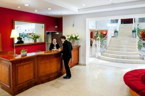 1-HPH109-Accueil.Hotel-Saint-Sauveur.Lourdes.jpg