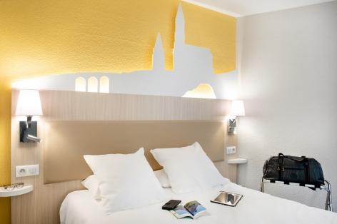 12-HPH109---HOTEL-SAINT-SAUVEUR---CH-lit-double-bis---LOURDES.jpg