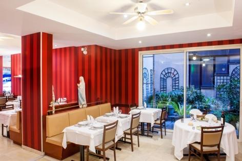 5-HPH109-Restaurant.Hotel-Saint-Sauveur.Lourdes.jpg