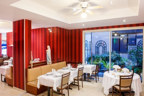6-HPH109-Restaurant.Hotel-Saint-Sauveur.Lourdes.jpg
