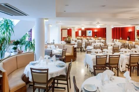 8-HPH109-Hotel-Restaurant-Lourdes.St-Sauveur.jpg