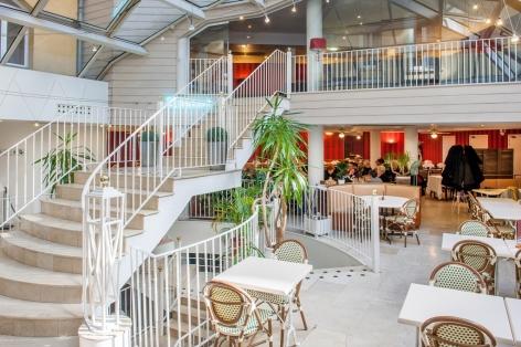 9-HPH109---HOTEL-SAINT-SAUVEUR---Salle-bar---LOURDES.jpg
