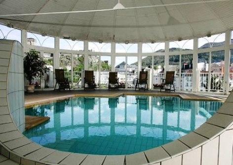 3-Hotel-Solitude-piscine.jpg