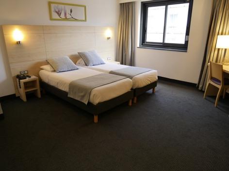 2-HPH139---HOTEL-PADOUE--TWIN---LOURDES.JPG