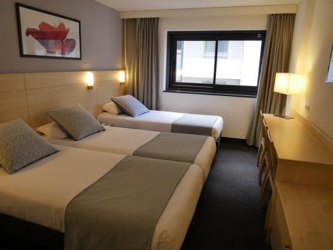 3-HPH139---HOTEL-PADOUE--TRIPLE--3--LOURDES.JPG
