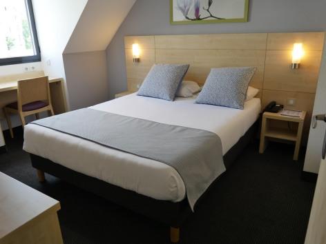 6-HPH139---HOTEL-PADOUE---CH-double---LOURDES.JPG