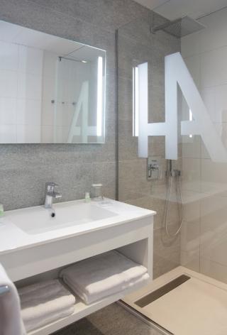 2-Lourdes-hotel-Alba--6-.jpg