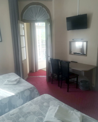 1-Hotel-du-Gave-Lourdes-chambre-double-2.jpg
