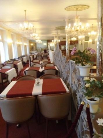 4-Hotel-du-Gave-Lourdes-salle-petit-dej.jpg