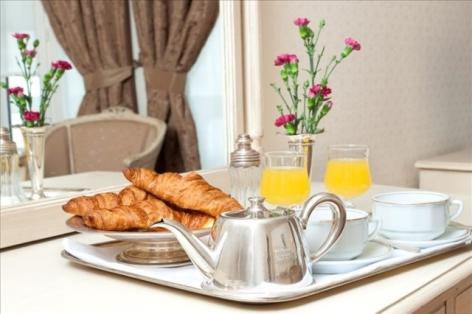 8-Lourdes-hotel-Moderne--11-.jpg