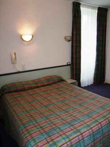 0-Lourdes-hotel-de-Nevers--4-.JPG