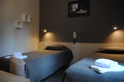 1-Lourdes-hotel-Acropolis--1--2.JPG