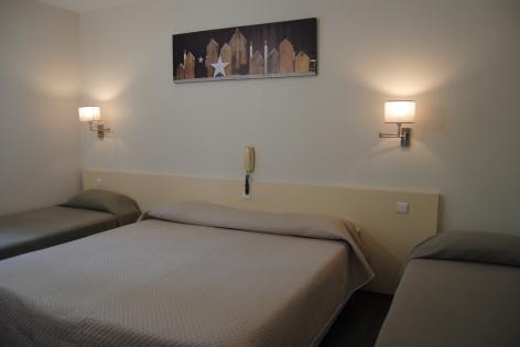 2-Lourdes-hotel-Acropolis--8--2.JPG