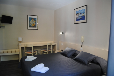 3-Lourdes-hotel-Acropolis--6--2.JPG