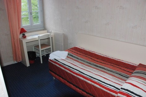 7-Lourdes-hotel-acropolis-chambre-single.jpg