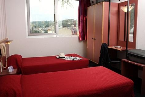1-Lourdes-Hotel-Florida-2.jpg