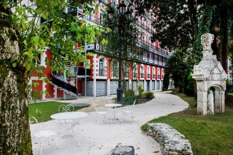 1-HPH126---HOTEL-GALLIA---LONDRES---Lourdes---Parc.jpg