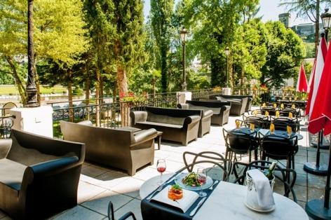 14-HPH126---HOTEL-GALLA--LONDRES--terrasse-dejeuner--LOURDES-8181e0db5cb64e46aef3aa3b3eea9bc3.jpg