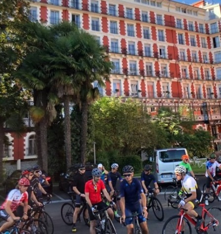 17-HPH126---HOTEL-GALLA--LONDRES--cyclistes--LOURDES-55090c2346c0493db4deb47dfa19396d.jpg