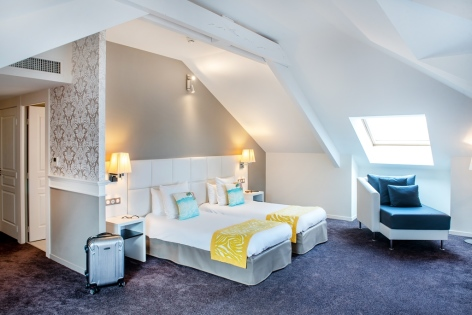 24-HPH126---HOTEL-GALLA---LONDRES---CH-FAMILLE-5----LOURDES.jpg