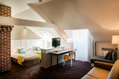 27-HPH126---HOTEL-GALLA---LONDRES---CH-FAMILLE-8----LOURDES.jpg