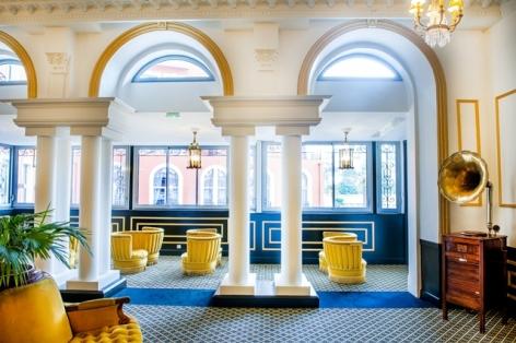 4-HPH126---HOTEL-GALLIA---LONDRES---Lourdes---Salon---Hall.jpg