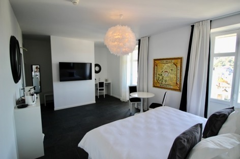 24-HotelBELFRYaLourdes-IMG-6564.jpg