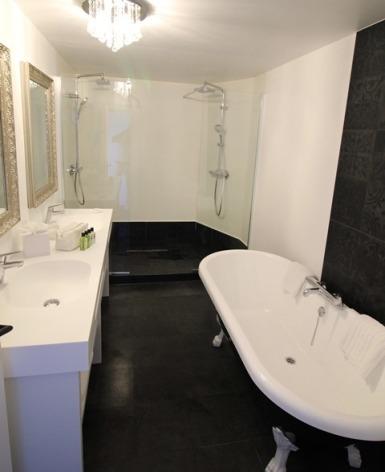 25-HotelBELFRYaLourdes-IMG-6567.jpg