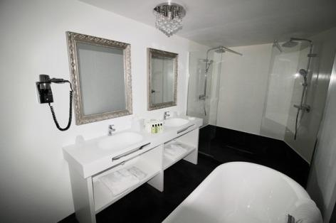 26-HotelBELFRYaLourdes-IMG-6569.jpg