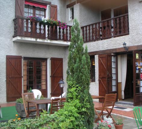 1-HPH56---Le-Relais-du-Castera---Terrasse.jpg