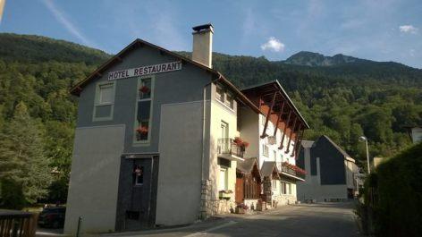 0-hotel-pons-saintlary-pyrenees-facade.jpg