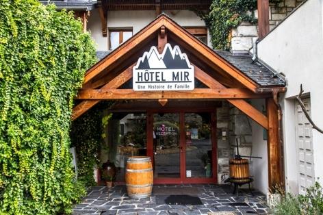 1-ENTREE-HOTEL-MIR.jpg