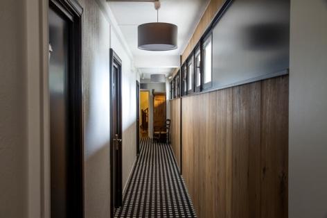 13-HOTEL-MIR---COULOIR-1ER-ETAGE.jpg
