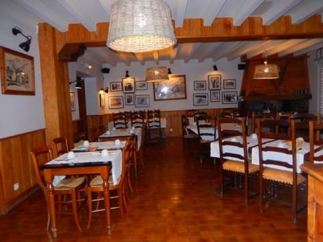 15-HPH32-Hotel-Mir-salle-des-petits-dejeuners--1-.jpg
