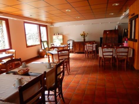 16-HPH32-Hotel-Mir-salle-des-petits-dejeuners--2-.jpg