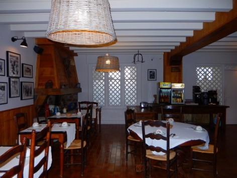 17-HPH32-Hotel-Mir-salle-des-petits-dejeuners--3-.jpg