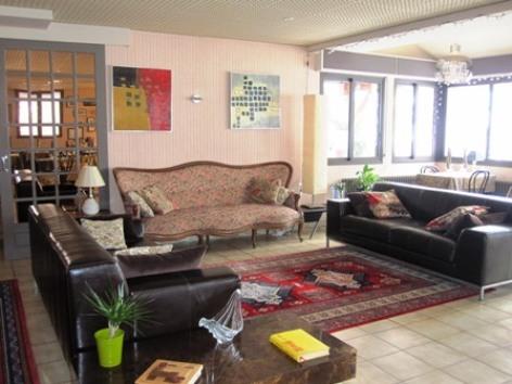 6-salon3-hotellesrochers-saintsavin-hautespyrenees.jpg.JPG